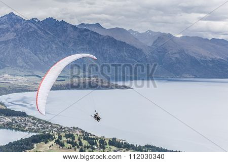 Paragliding Above Lake Wakatipu, Queensland, Otago, New Zealand