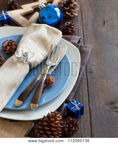Christmas Table Setting With Rustic Decorations