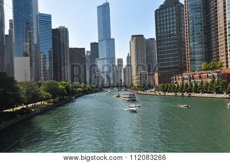 Skyscrapers along the Chicago River, Chicago