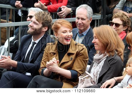LOS ANGELES - DEC 10:  Seth Gabel, Bryce Dallas Howard, Cheryl Howard at the Ron Howard Star on the Hollywood Walk of Fame at the Hollywood Blvd on December 10, 2015 in Los Angeles, CA