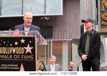 LOS ANGELES - DEC 10:  Michael Keaton, Ron Howard at the Ron Howard Star on the Hollywood Walk of Fame at the Hollywood Blvd on December 10, 2015 in Los Angeles, CA