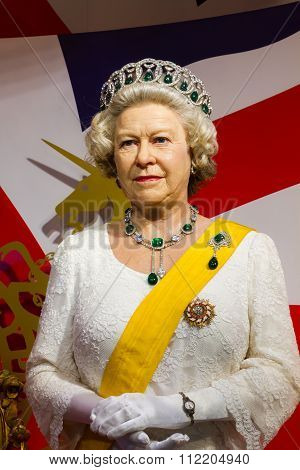 Bangkok, Thailand - December 19: Wax Figure Of The Famous Queen Elizabeth From Madame Tussauds On De