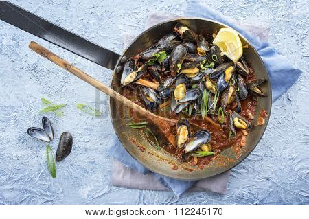 Sailors Mussel in Frying Pan