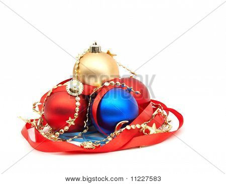 red and blue christmas bulbs