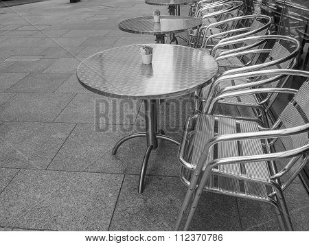 Black And White Tables And Chairs