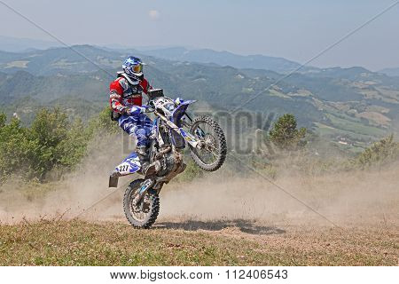 Bikers Riding Enduro Motorcycles Yamaha Wrf 450