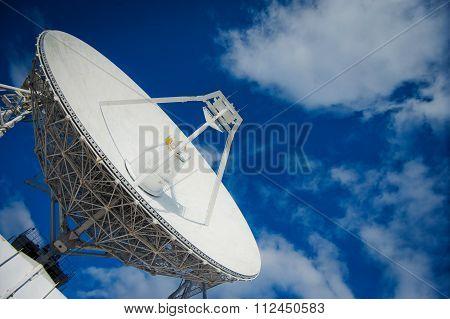 Huge radio antenna with big diameter