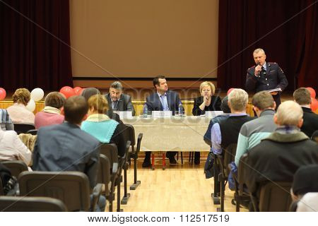 MOSCOW - JAN 21, 2015: Meeting the head of the district council Bogorodskoe with a population