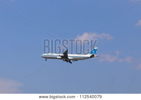 Kuwait Airwaits Boeing 747 Approaching To Airport