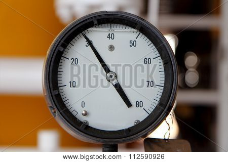 Pressure Gauge For Measuring Pressure In The System, Oil And Gas Process Used Pressure Gauge To Moni
