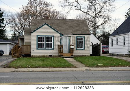 Small Home in Joliet