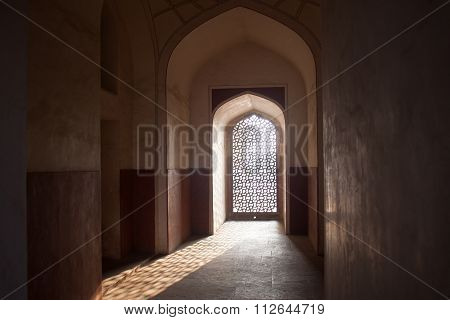 Filigree Window And Archway In Humayuns Tomb With Sun Casting Shaddow