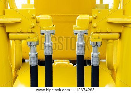 Bulldozer hydraulic hoses