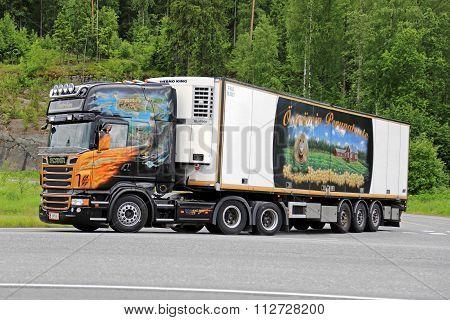 Scania V8 Temperature Controlled Semi Hauls Frozen Food