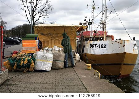 Cutters and fishermen after fishing