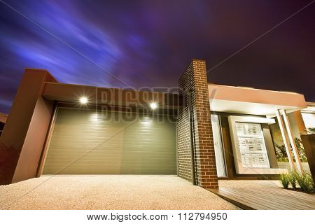 Beuatiful Close Up Picture Of Garage Of Home