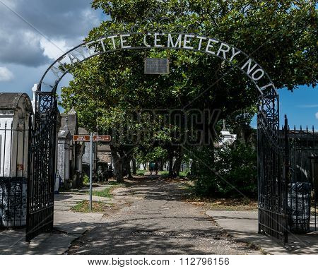 New Orleans Lafayette Cemetery