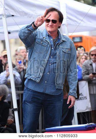 LOS ANGELES - DEC 21:  Quentin Tarantino arrives to the Walk of Fame honors Quentin Tarantino  on December 21, 2015 in Hollywood, CA.