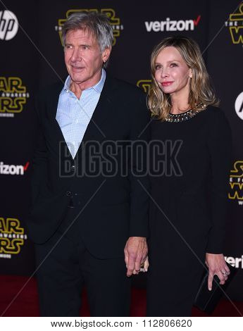 LOS ANGELES - DEC 14:  Harrison Ford & Calista Flockhart arrives to the