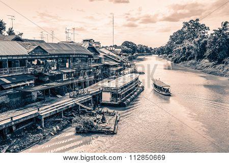 River View Of Sam Chuk Local Market