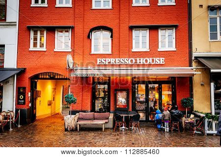 Malmo, Sweden - December 31, 2014: Espresso House In Old Town Center During The Christmas Season In