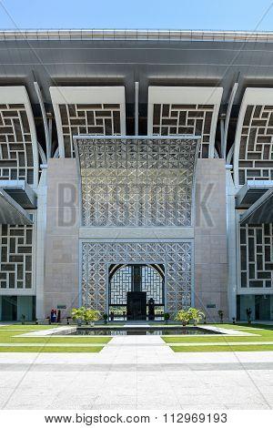 Tuanku Mizan Zainal Abidin Mosque, Putrajaya