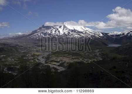 Clouds clear from the crater of Mount St. Helens in the Cascade Mountains of Washington state poster