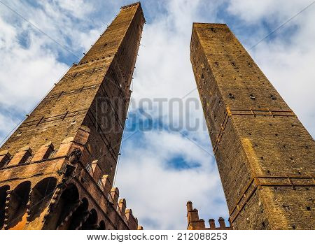 Due Torri (two Towers) In Bologna (hdr)