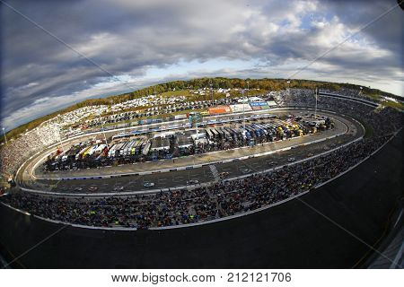October 29, 2017 - Martinsville, Virginia, USA: The Monster Energy NASCAR Cup Series races during the First Data 500 at Martinsville Speedway in Martinsville, Virginia.