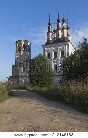 Destroyed the temple of Resurrection of Christ in village Varnitsy, Totemsky district, Vologda region, Russia