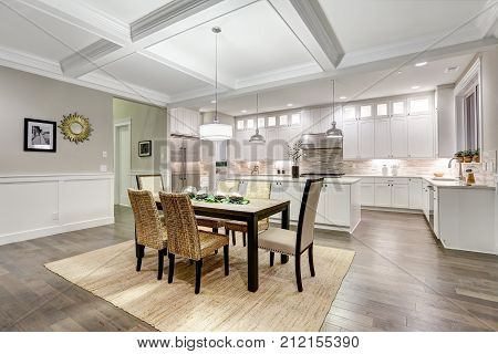 Lovely Craftsman Style Dining Space With Coffered Cealing
