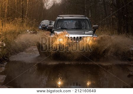28.10.2017. Arkhangelsk tract. Leningrad region. Russia. check out offroad Hummer H3. Hummer H3 is a compact SUV manufactured by GM