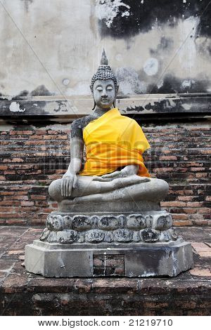 Buddha statue in Wat Yai Chai Mongkon / thailand.