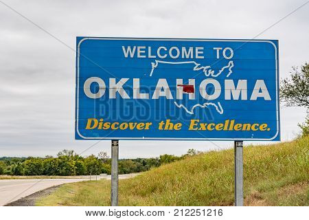 Welcome to Oklahoma Sign along highway at the state border
