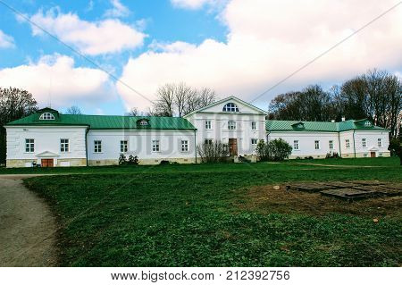 A snow-white house with a green roof in the estate of Count Leo Tolstoy in Yasnaya Polyana in October 2017.