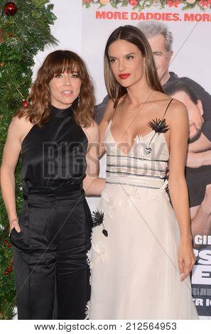 LOS ANGELES - NOV 5:  Linda Cardellini, Alessandra Ambrosio at the