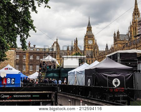 Press In Westminster, London, Hdr