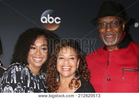 LOS ANGELES - NOV 4:  Shonda Rhimes, Debbie Allen, James Pickens Jr at the