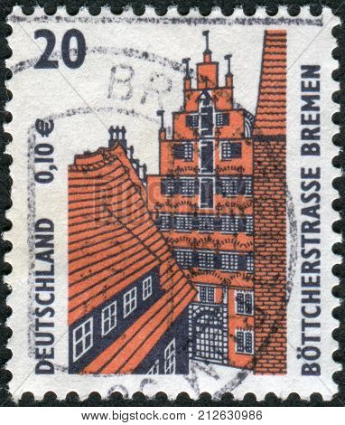 GERMANY - CIRCA 2001: Postage stamp printed in Germany shows Boettcherstreet Bremen circa 2001