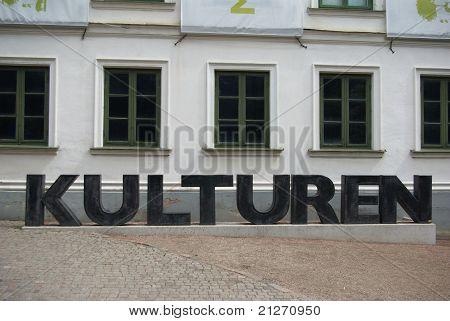 Letters cultures