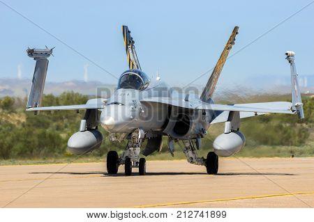 Mcdonnell Douglas F/a-18 Hornet Fighter Jet