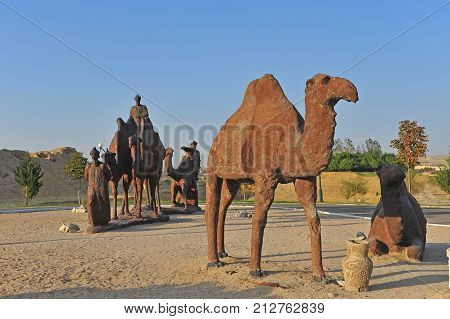 Samarkand uzbek uzbekistan middle east silk route monument caravan camels desert people