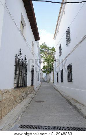 Narrow White Street