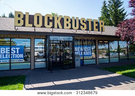 Bend, Oregon - July 8 2019: Exterior Of The Last Remaining Blockbuster Video  Rental Store In The Un