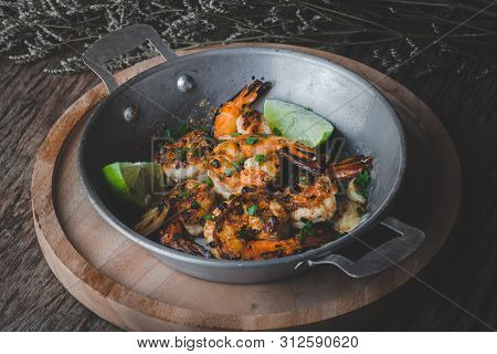 Cooked Shrimp Prawns With Spicy Seasoning.
