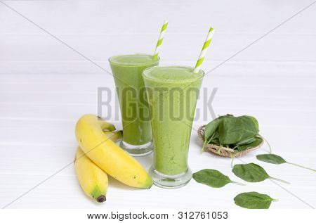 Banana Spinach Smoothies Juice And Green Juice Beverage Healthy The Taste Yummy In Glass For Milksha