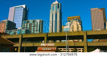 Seattle, Washington, Usa (mai 9, 2019) Downtown Seattle,graphic Modern Seattle Downtown Skyscrapers