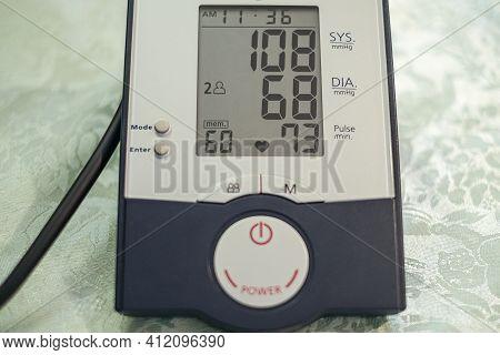 Automatic Sphygmomanometer Home Instrument, Blood Pressure Measurement Diagnostic, Health Care