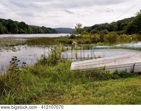 Lake Justice At Two Mile Run County Park In Pennsylvania In The Summer With A View Of The Water, Mar