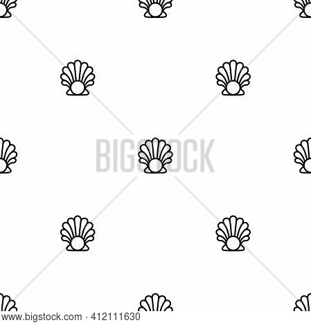 Seamless Pattern With Sea Shell And Pearl On White Background. Shellfish Ornament. Beauty And Luxury